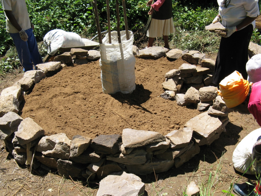 How to Make a Keyhole Garden for a More Productive Crop Yield